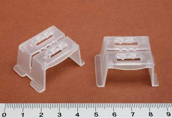 3-Wege Schildklemme aus Kunststoff